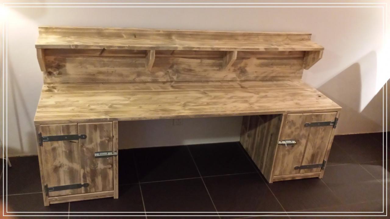 Fabri nijmegen uw specialist in steigerhouten producten for Bureau van steigerhout maken